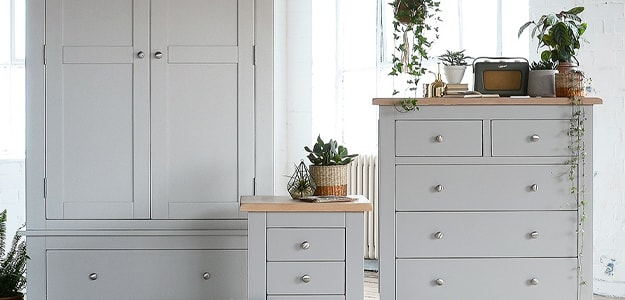 Peachy The Cotswold Company Oak Painted Pine Furniture Incl Home Interior And Landscaping Mentranervesignezvosmurscom